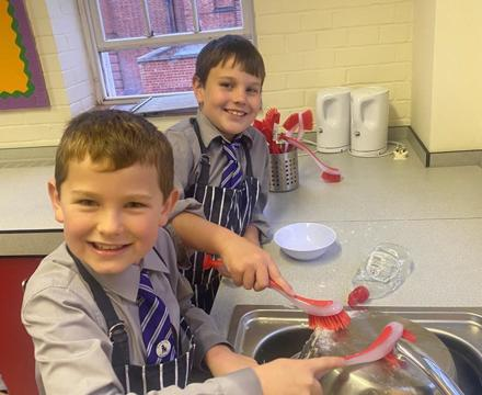 Yr 4 washing up